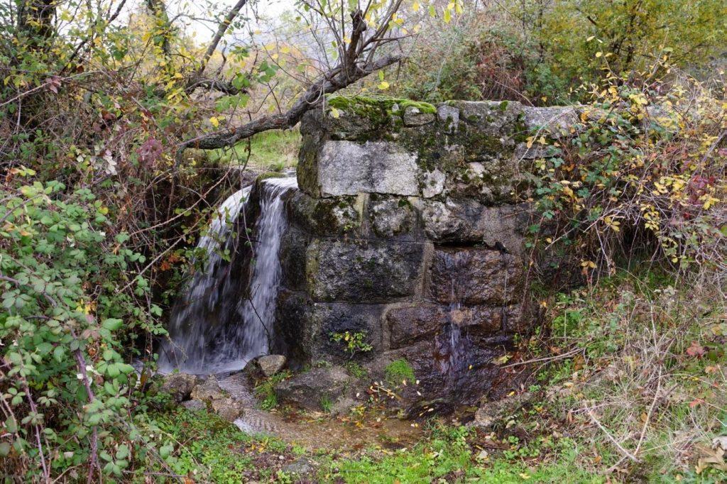 Presa en el arroyo de las Navarderas